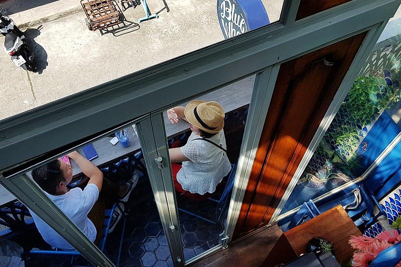 曼谷超熱人氣網路IG打卡餐廳,充滿藍色夢幻的 Blue Whale Maharaj-Wat Pho
