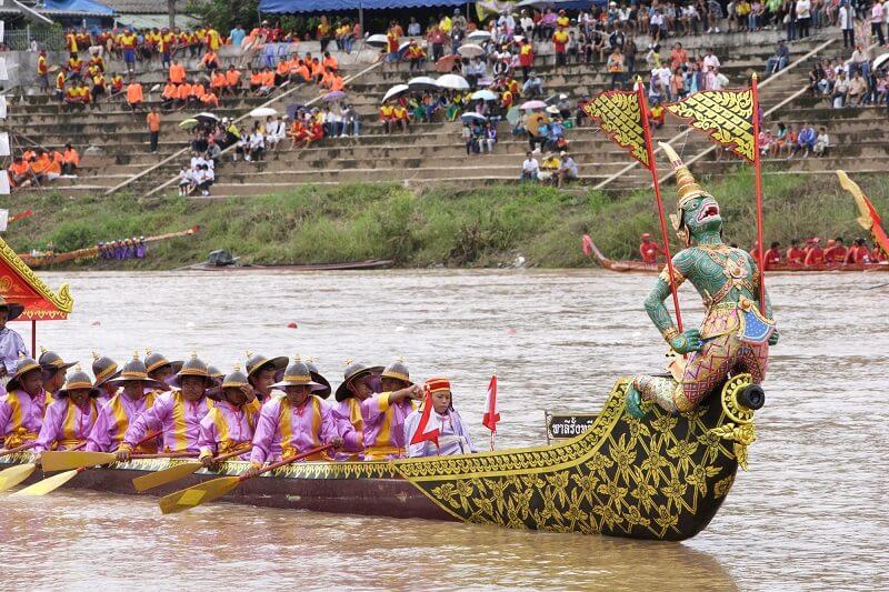 泰國的傳統長船比賽節慶活動