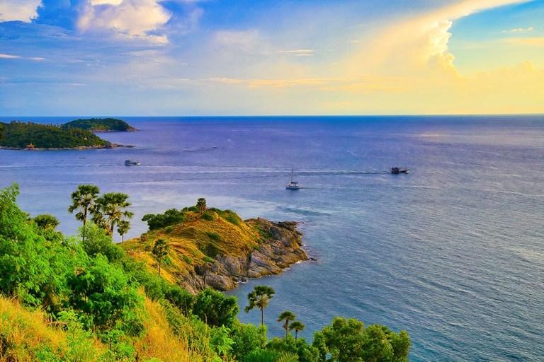 """泰國觀光局宣布普吉島被列入""""世界最佳旅遊景點""""排行榜"""