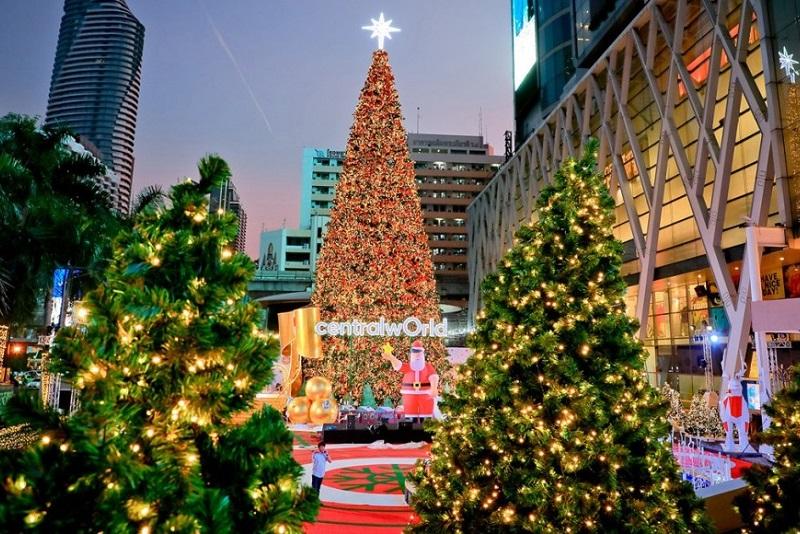 曼谷中央世界購物中心點亮'幸福世界'聖誕燈飾