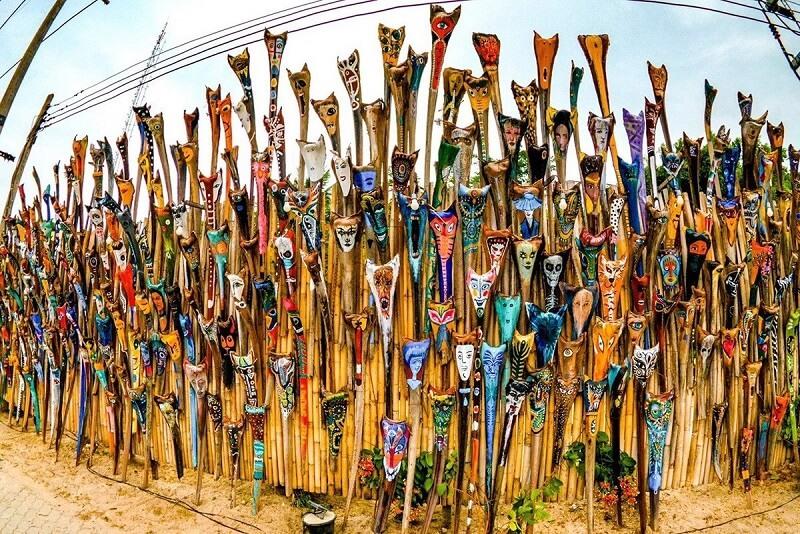Mok Prao'非正式藝術裝置溫暖了帕安島人們的心